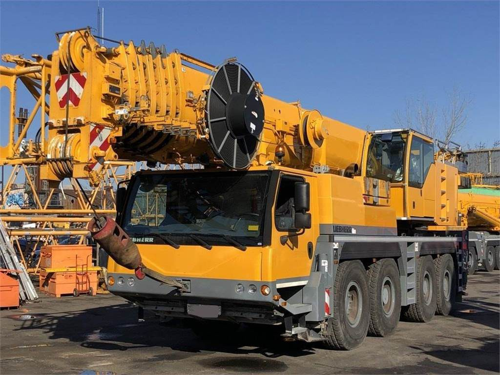 Liebherr LTM 1100 100 тонн